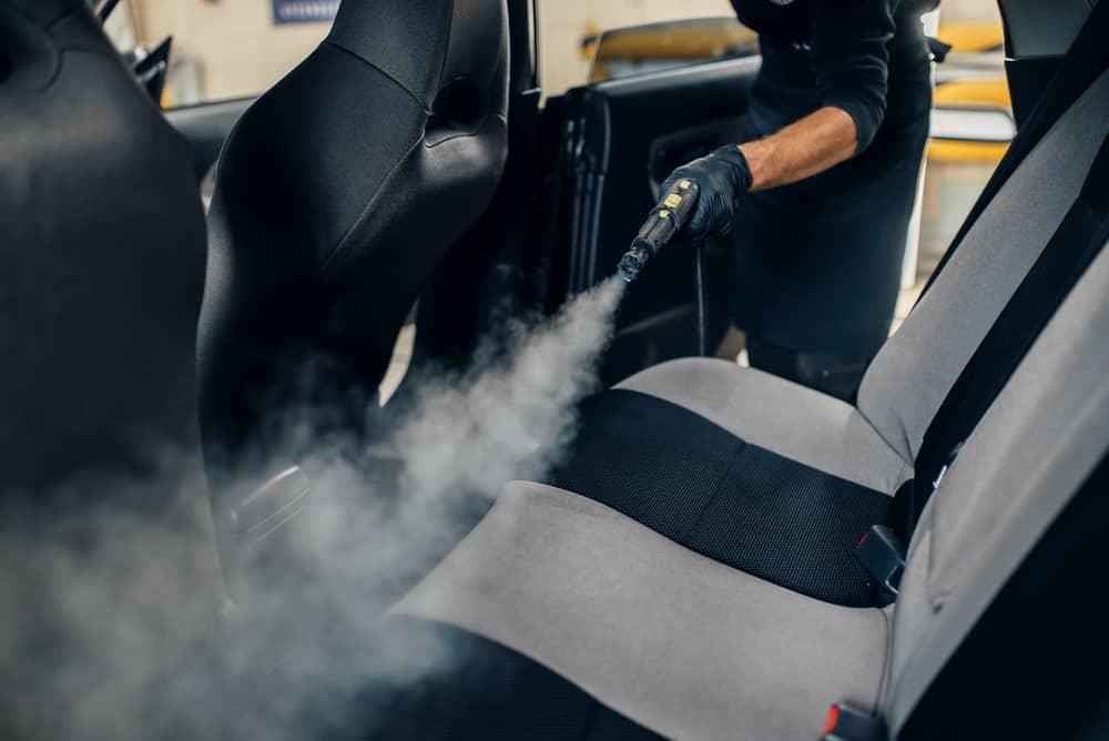 Curatenie auto la aburi motor interior mamaia nord